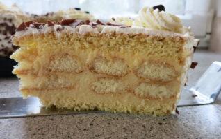 Biskotten Torte